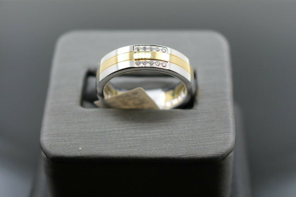 18k Solid Gold Elegant Ladies Modern Zirconia Shiny Finish Band Ring R9468m