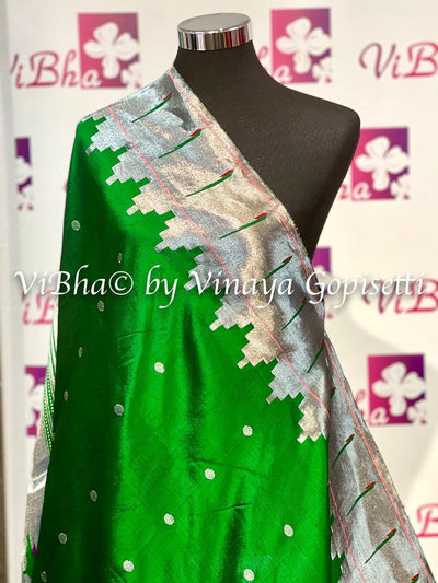 DUPATTA - Beautiful Paithani Pure Zari Green Single Muniya Dupatta