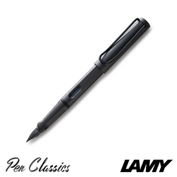 Lamy Safari Fountain Pen Charcoal Posted with Nib