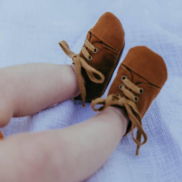 Baby and toddler soft sole sneakers