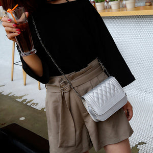 Design Leather style chain crossbody clutch handbag