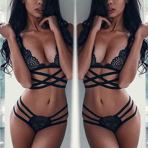 Lace strappy 2 piece lingerie set