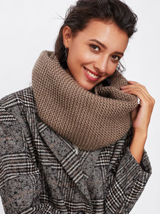 Oversize knitted infinity scarf