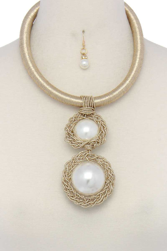 Pearl Bead Metallic Thread Necklace