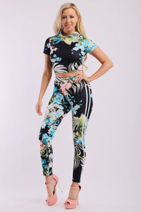 Leaf Print And Striped Side Contrast 2 Pieces Set Includes A Hooded Cropped Top With Short Sleeves And A High Waist Full Leggings