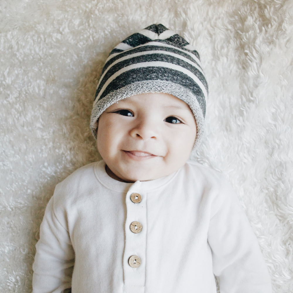 Lucy Lue Organics. Organic baby clothes. Baby clothes. Modern organic baby clothes. Baby must haves. 100% Cotton baby clothes. Gender neutral baby clothes. Baby shops. Popular baby clothes. Baby take home outfits. Baby coveralls. Baby rompers.