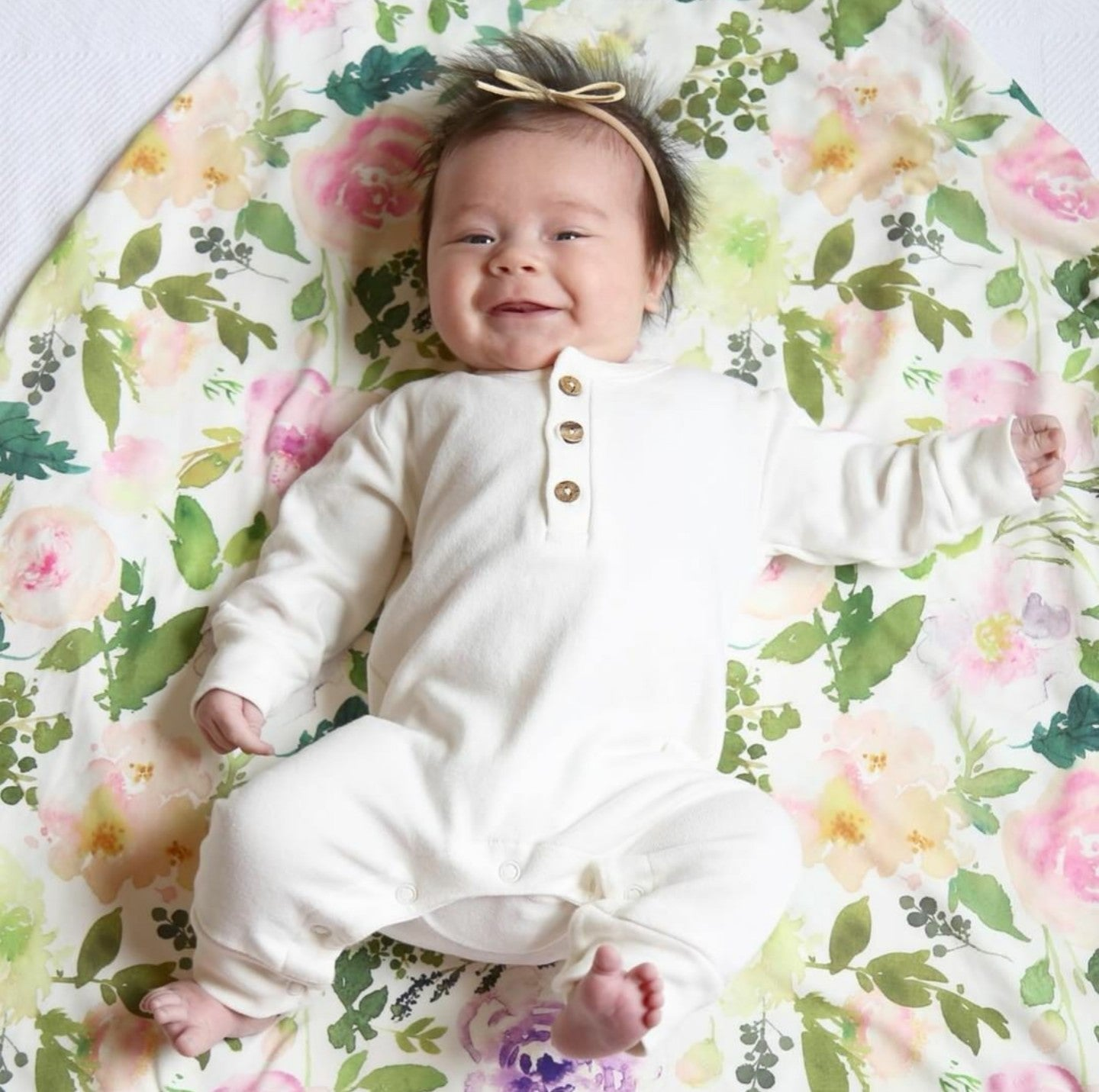Lucy Lue Organics. Organic baby clothes, organic toddler clothes, organic cotton, toxin free clothing, eco friendly fabrics, eco-fashions, baby clothes, modern organic baby clothes, baby boy clothes, baby girl clothes, gender neutral baby clothes. Baby basics. Baby must haves