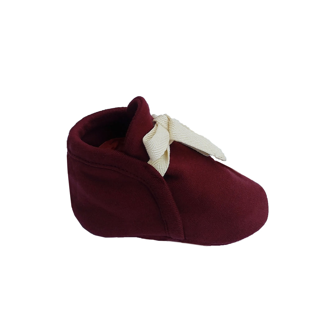 Organic cotton fabric booties by Lucy Lue Organics. Baby booties. Baby accessories. Modern organic baby clothes