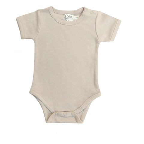 Short sleeve bodysuit. Lucy Lue Organics. Short sleeve one piece. Shoulder snap bodysuit. organic baby clothes. summer baby clothes. modern baby clothes. newborn baby clothes