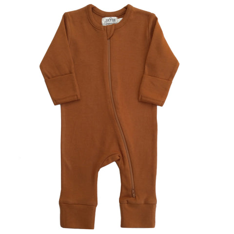 Organic Zipper footie by Lucy Lue Organics. Footed baby romper. Organic baby clothes. Modern organic baby clothes. Baby romper. Zip romper. Zipper baby bodysuit. 2 way zipper baby romper. Footed sleepers. organic onesie, long sleeve romper, newborn baby clothes, L'oved baby romper jumpsuit. sustainable baby clothes, neutral solid color baby clothes