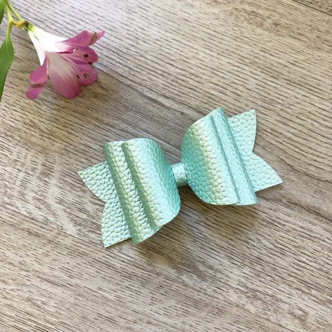 Mint Gold Bow