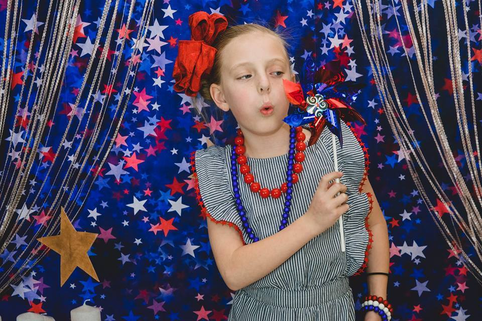Load image into Gallery viewer, Katebackdrop:Kate blue red star backdrop for cake smash Backdrop designed by Studio Gumot