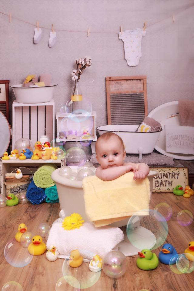 Katebackdrop£ºKate Bath Time Baby Backdrop Summer Rubber Ducks and Bubbles Photos Designed by Erin Larkins