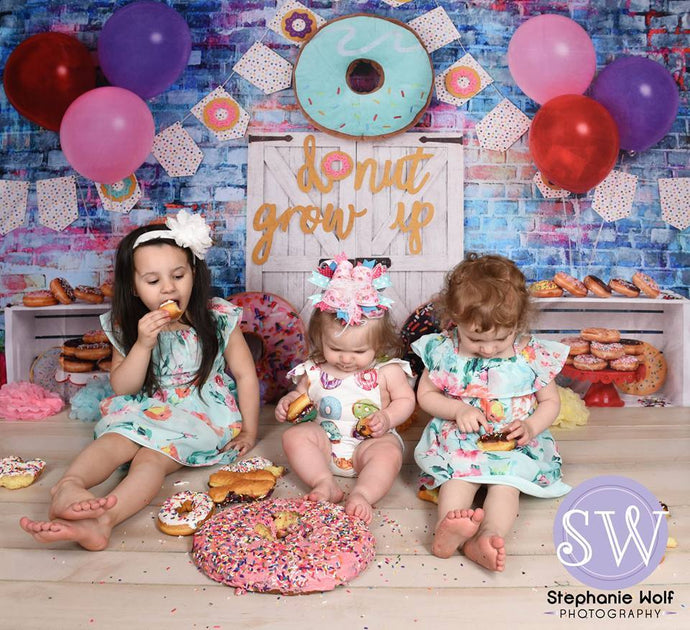 Katebackdrop£ºKate White Door Balloons Banner Donut Grow Up Birthday Children Backdrop