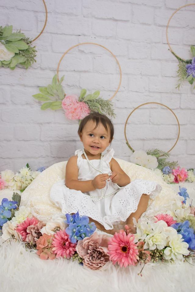 Load image into Gallery viewer, Katebackdrop£ºKate Plain Wreath White Brick Backdrop for Photography Designed By Lisa B