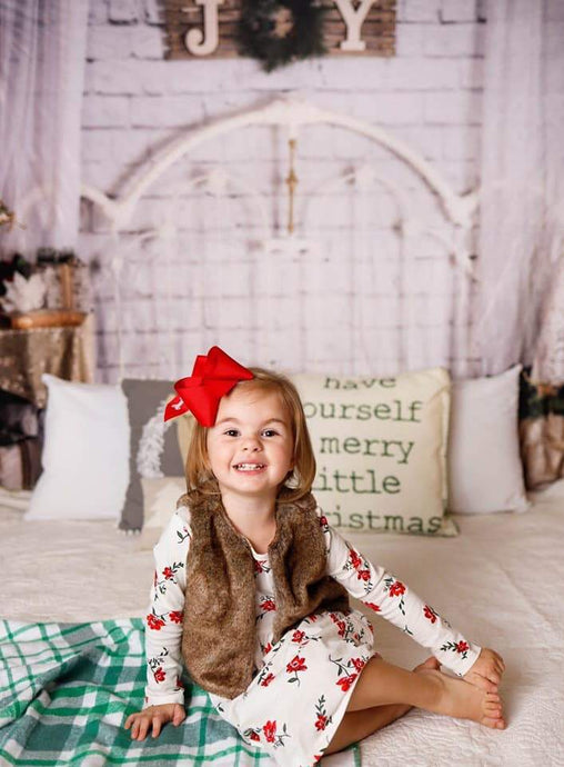 Kate Christmas White Headboard Backdrop Designed By Angela Marie Photography