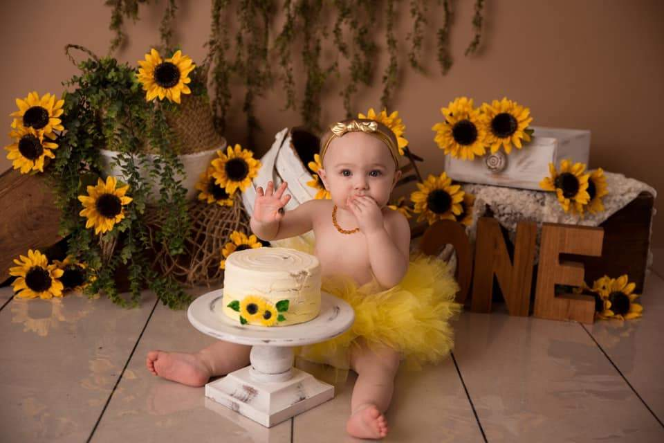Load image into Gallery viewer, Katebackdrop£ºKate Spring Sunflowers Love Backdrop Designed by Keerstan Jessop