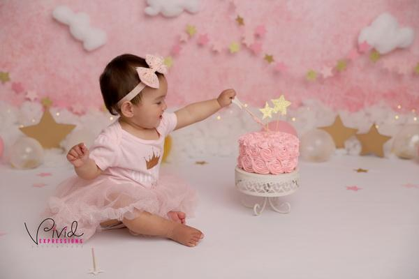 Kate Cake Smash Backdrop Pink & Gold Stars Designed by Melissa King
