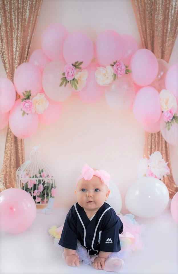 Katebackdrop:Kate Balloons and Decorations Birthday Backdrop for Children Designed by Dottie Grenier
