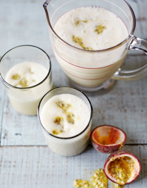 Almond, Banana and Passion Fruit Smoothie