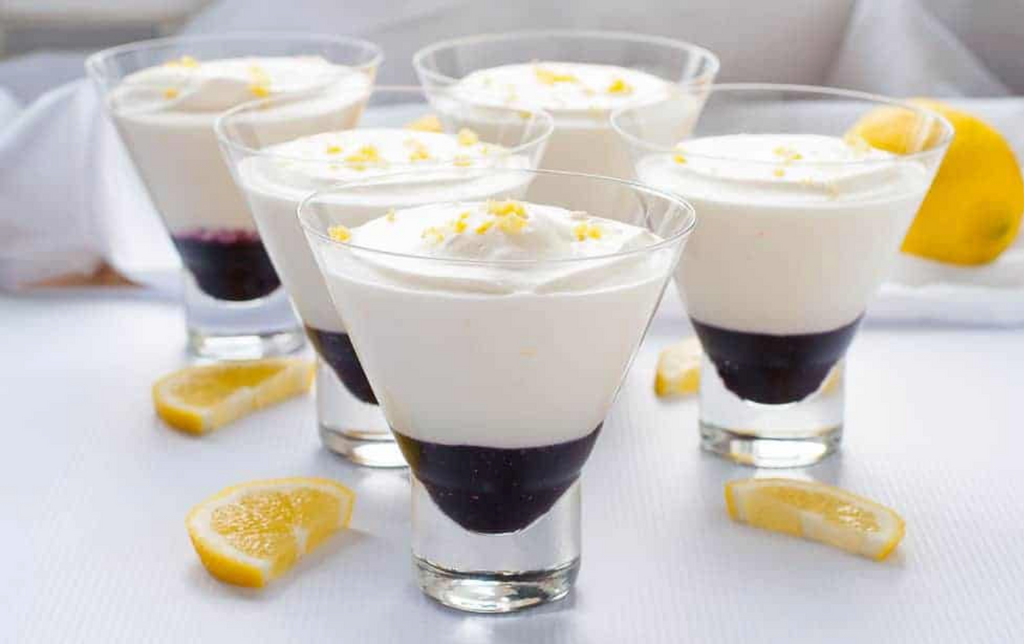 Light Lemon Mousse with Greek Yogurt