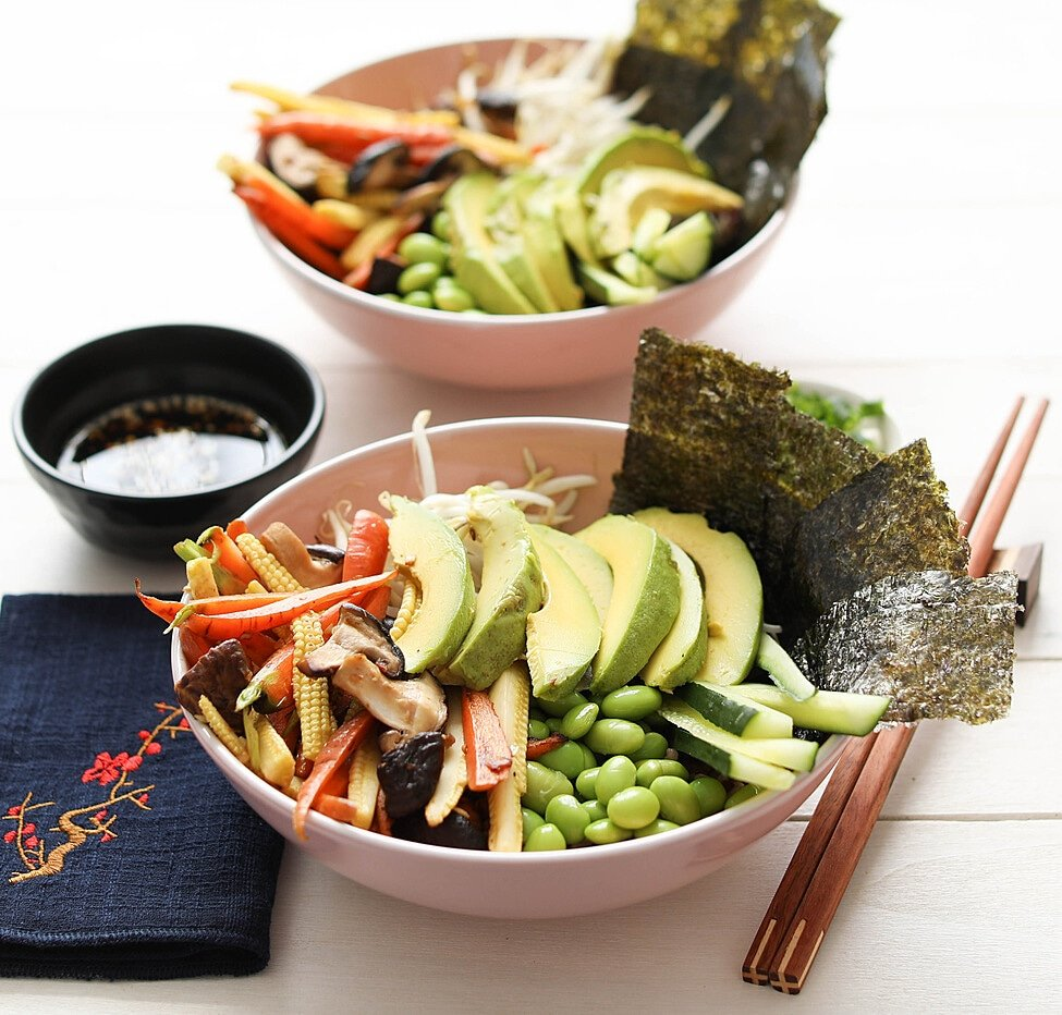 Sushi Bowl with Shiitake, Baby Corn and Avocado