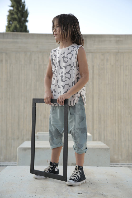 Kids dusty turkiz 3\4 baggy pants with earth dot print