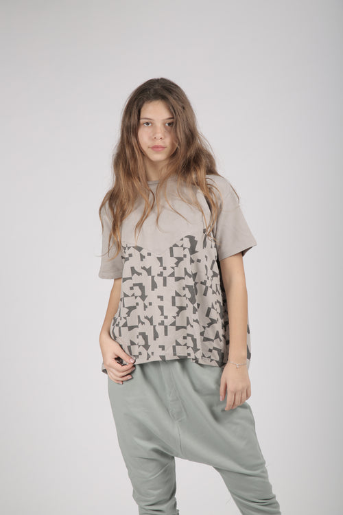 Women grey A line shaped shirt with puzzle print