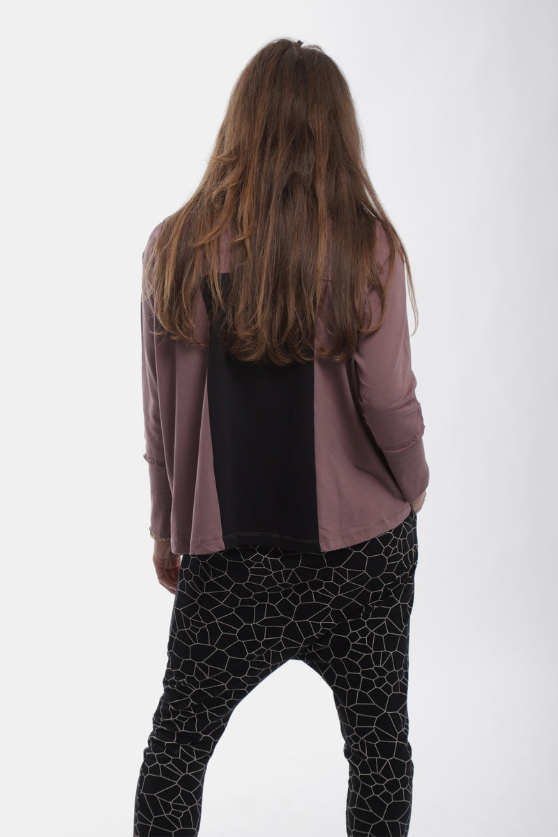 Women dusty lavender triangle shirt with black panel at the back