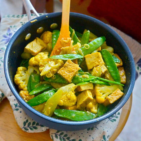 Green Tofu Curry with Mixed Veg and Red Rice
