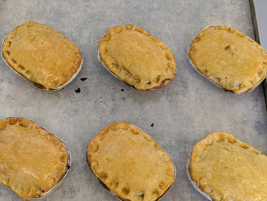 SMALL BEEF STEAK PIES