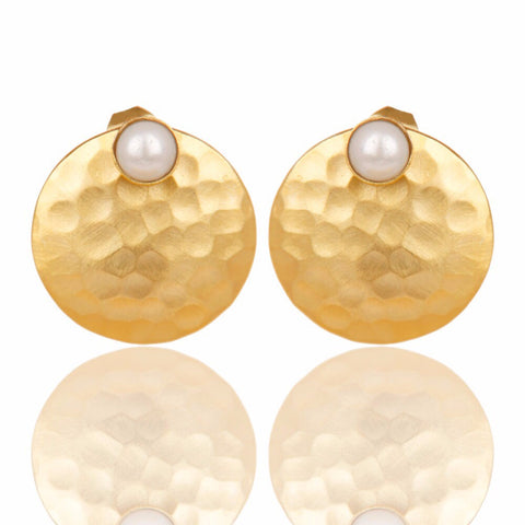 pearl hammered gold earrings