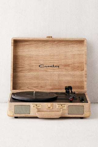 record player, stylish record player, turn table, LP player, Christmas gift guide