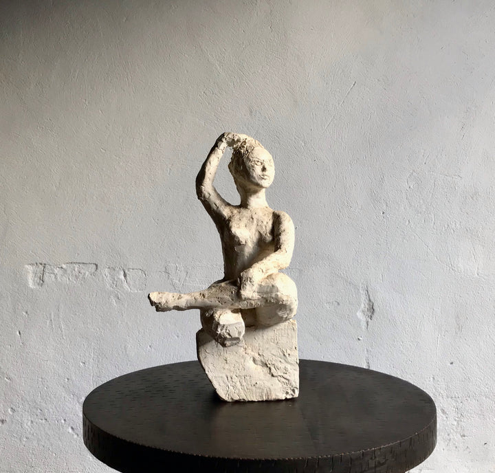 FEMALE PLASTER SCULPTURE