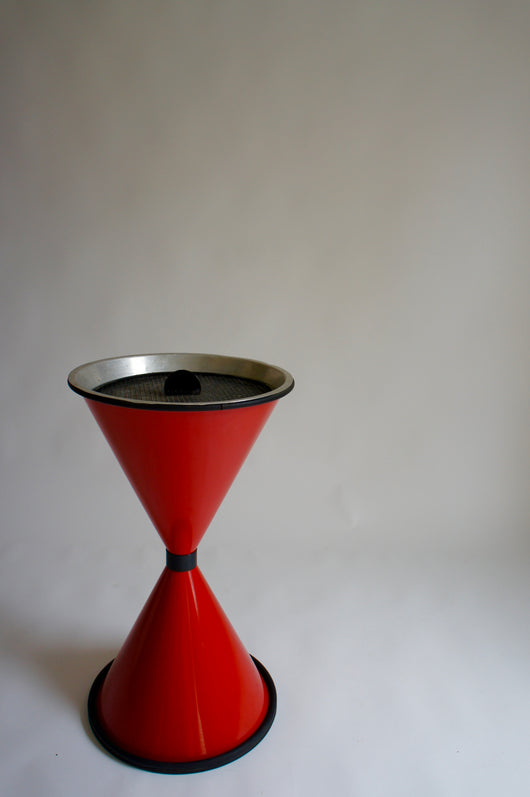 POST MODERN DIABOLO ASHTRAY / PLANTER
