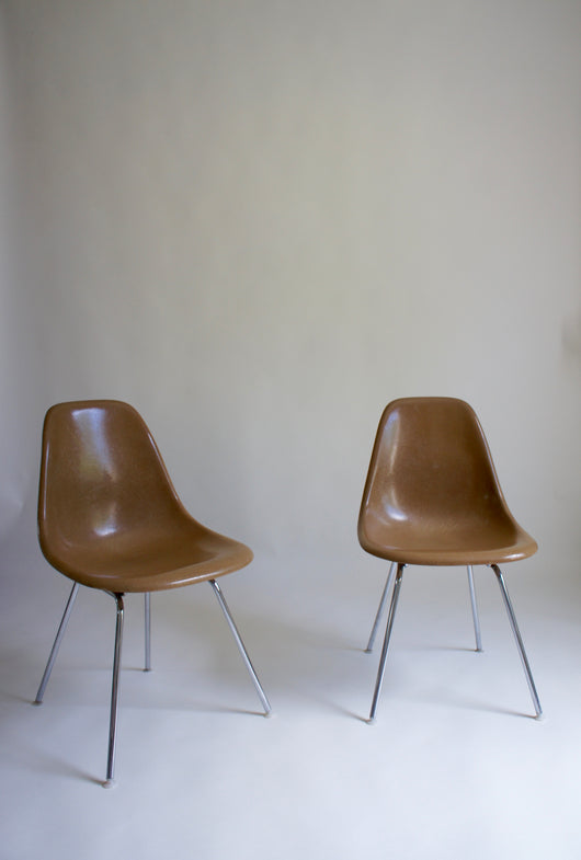EAMES DSX FIBREGLASS CHAIRS