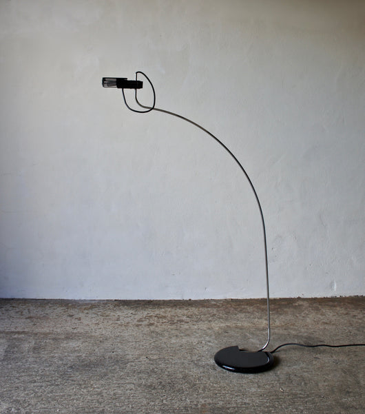 1970'S OLUCE FLOOR LAMP BY G. OSTUNI