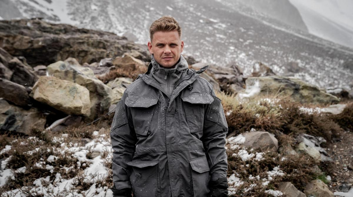 Jeff Brazier shows his PENIS during SAS who dares wins