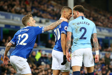 Richarlison-Walker-Fight-Etihad-Digne