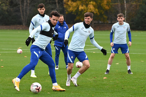 Mason Mount and Chelsea Football club team mates training