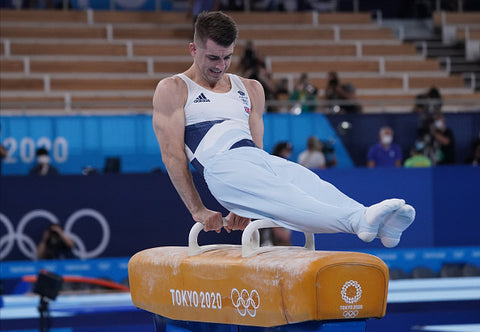 Max Whitlock on the pommel horse at tokyo 2020