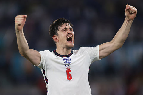 harry maguire cheers engalnd kit