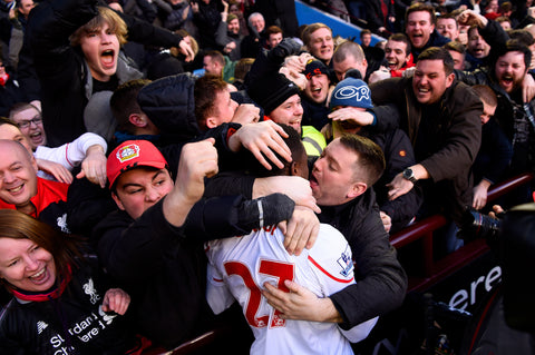liverpool-fan-kissing-origi-premier-league