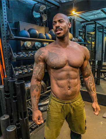 Mehcad Brooks in gym topless