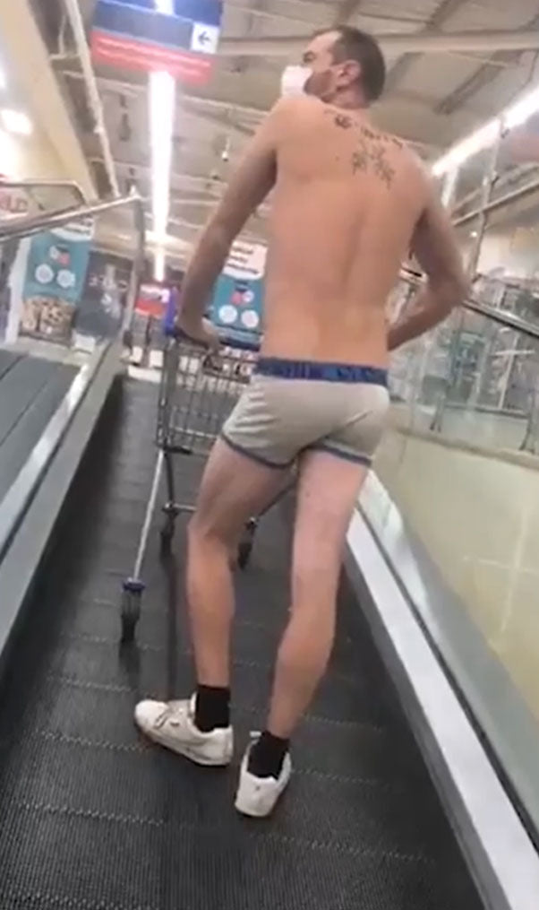 Welsh man shows us his arse