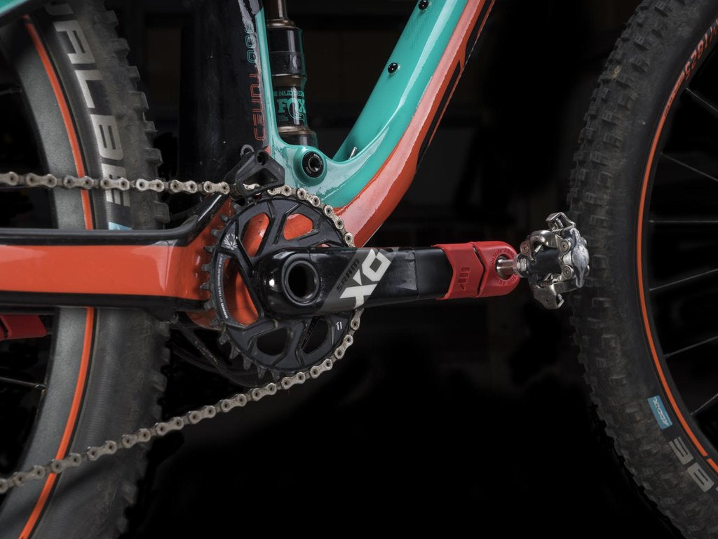 ALL MOUNTAIN STYLE CRANK DEFENDER RED