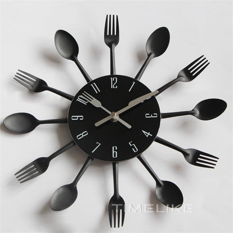 2017 New Modern Kitchen Wall Clock Sliver Cutlery Clocks Spoon