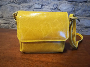 Lillian hand bag in yellow