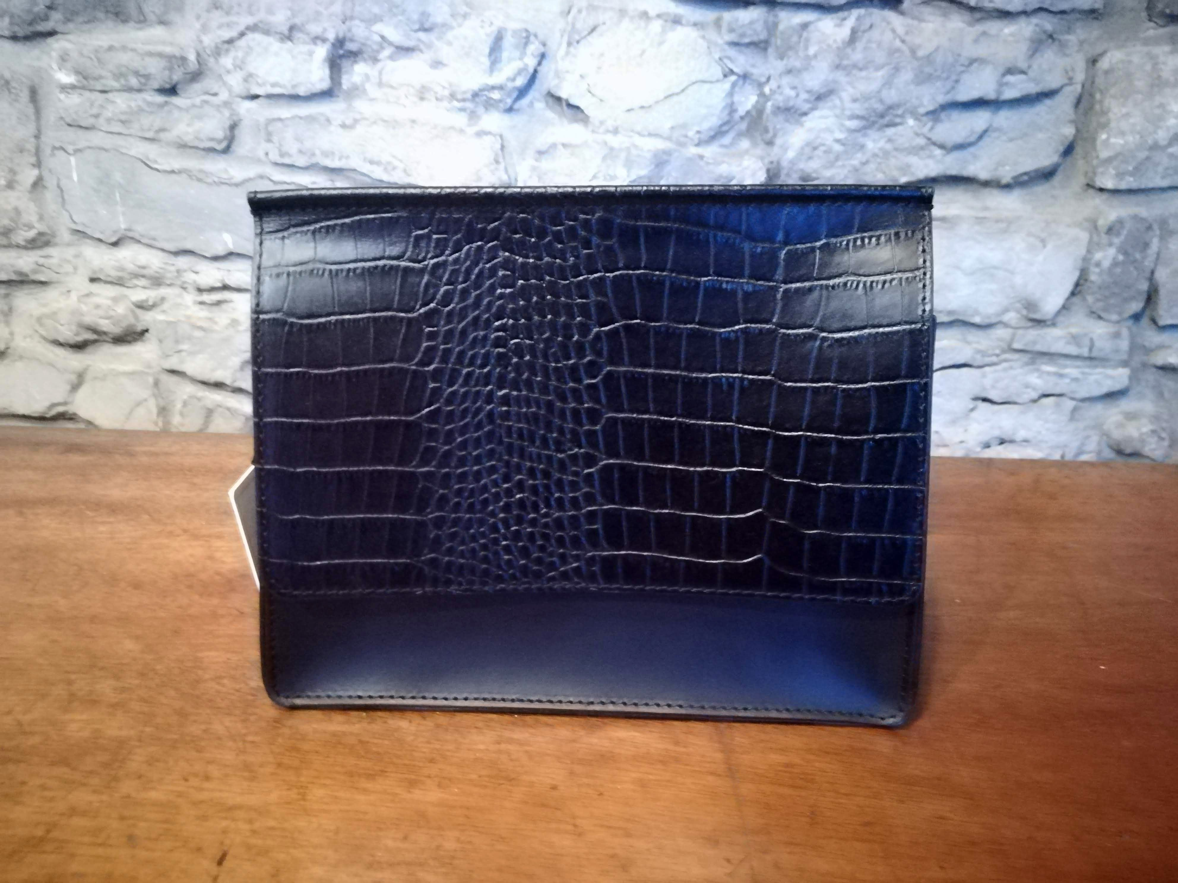 Aine Leather clutch bag