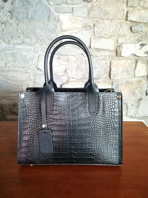 Cordelia hand bag in black